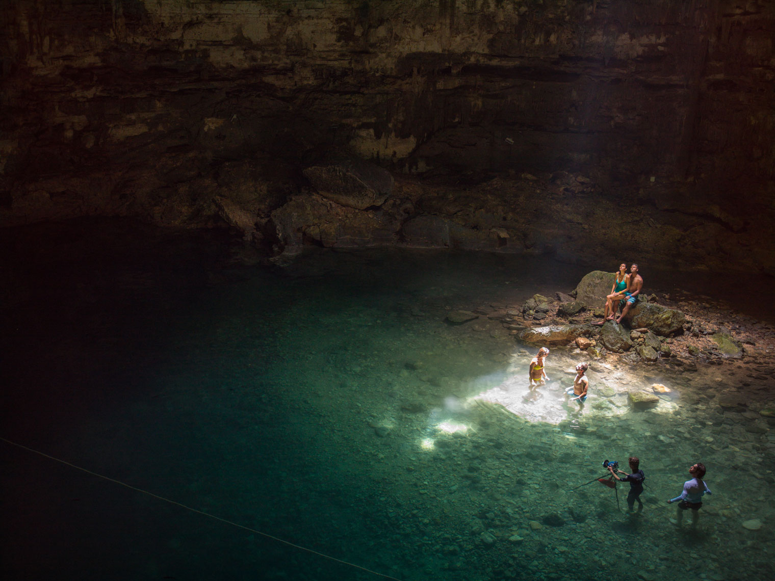 RCI_Cozumel_Dzitnup_Cenote_Swiming_Couples_02_H_01387